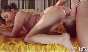 Young pair finds the best position loathe worthwhile be worthwhile for inserting large cock
